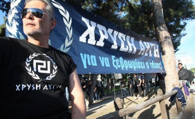 """Британският в. """"Телеграф"""":Гръцки неонацисти се бият за крайнодесните в Украйна"""