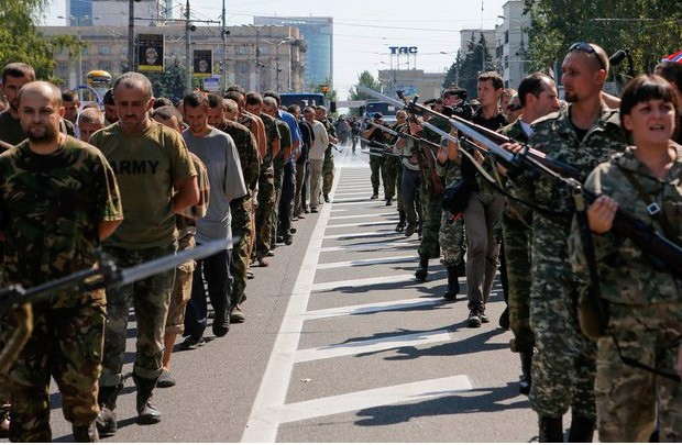 Лавров не смята за издевателство «коридора на позора» в Донецк