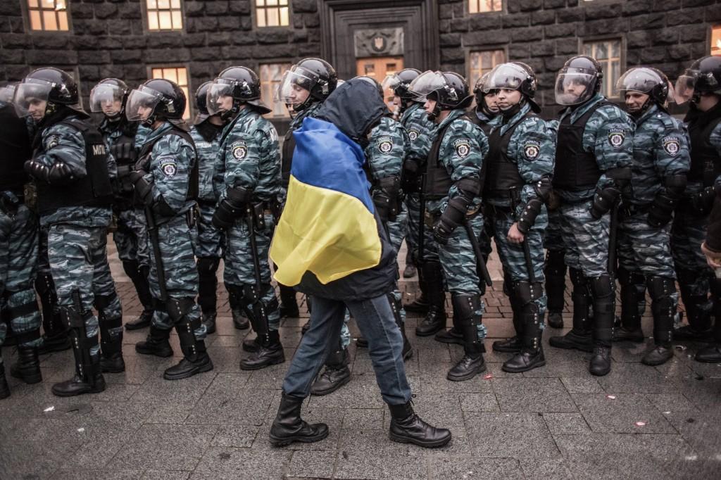Във Варшава откриха изложба на фотографиите на Андрей Стенин11