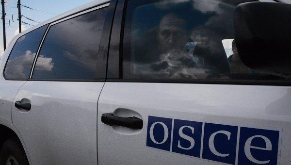 Две групи от наблюдатели на ОССЕ попаднаха под обстрел край Донецк