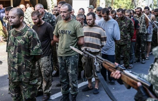 Около 700 украински военни попаднаха в плен на опълченците