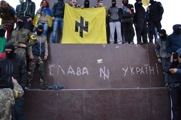 Ултраси зверски пребиват местни жители на Харков