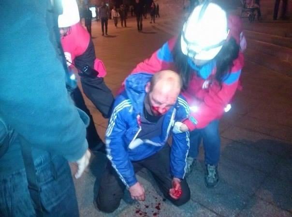 Ултраси зверски пребиват местни жители на Харков1