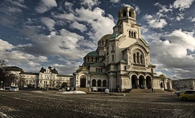 """Държавата и църквата си стиснаха ръцете за """"Св. Александър Невски"""""""