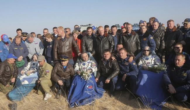 """""""Союз"""" успешно се завърна на Земята"""