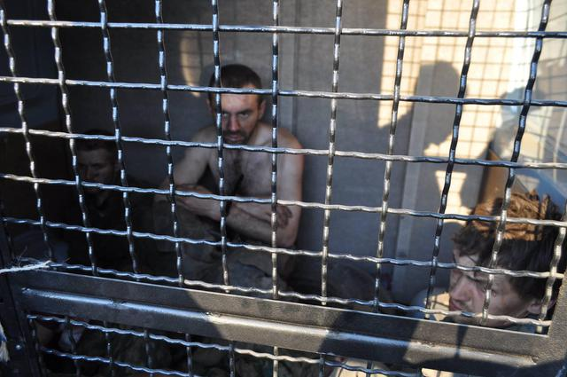 В плена на украинската армия се намират около 600 опълченеца