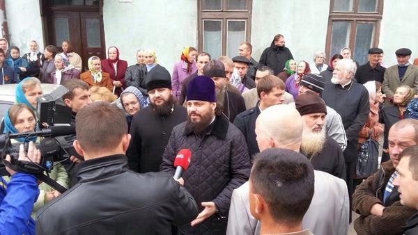 Епископ от Лвов обвинява милицията в защита на отцепниците