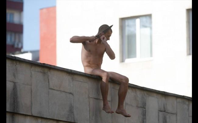 Ван Гог от XXI в.: Скандалният художник Пьотр Павленски си отряза ухото