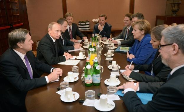 Путин и Порошенко преговарят с европейските лидери за украинската криза
