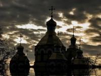 Радикали заплашват свещеници в Ровно