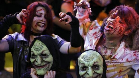 Кой плаща за Хелоуин в България?