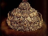 Диадемова шапка. Злато сребро, скъпоценни камъни 1682 - 1687г. Принадлежала е на цар Иван Алексеевич.