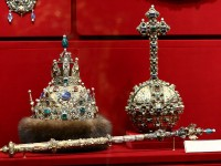 """""""Большой наряд"""". Астраханска шапка,  1627 г. Злато, скъпоценни камъни, перли... Принадлежала е на  цар Михаил Романов. Изработена е в работилниците на Московския Кремъл"""