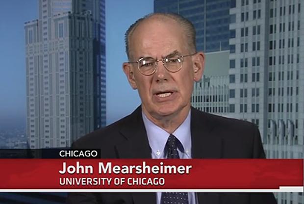 """Джон Миършаймър, професор по политология в Чикагския университет. Статията му е публикувана в списанията """"Форин Афеърс"""" и """"Россия в глобалной политике""""."""