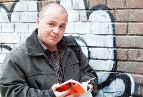 """Александър Симов,журналист от вестник """"ДУМА"""", свободен блогър, уличен проповедник и интелектуален екстремист."""