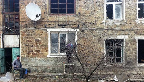 Две деца са ранени при поредния обстрел на украинските военни в Донбас
