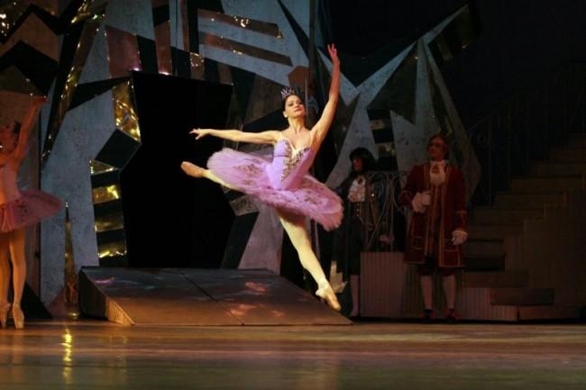 """Маша Илиева играе фея Люляк в последната постановка на """"Спящата красавица"""" у нас през 2005."""