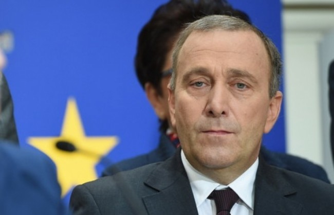 Полският външен министър приравни Украйна към африканските колонии на Европа