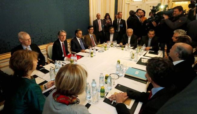 """""""Шестицата"""" и  Иран преговарят във Виена"""