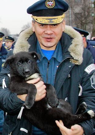 Сергей Шойгу подарява Кони на Путин