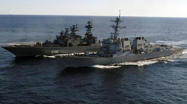 Маневри на руски бойни кораби в Ламанша