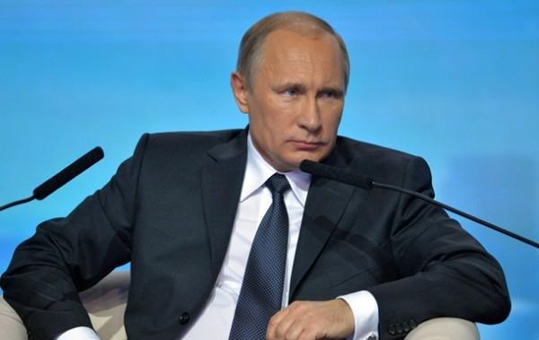 """Путин призова да не се допускат """"цветни революции"""" в Русия"""