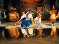 Прецедент – замразяват четири от големите сцени в страната