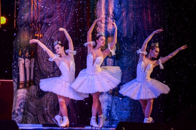 Красота и изящество! Балет на лед на Санкт Петербург омая зрителите в НДК