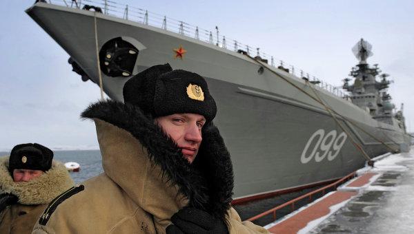 """Атомният ракетен крайцер """"Петър Велики"""" започна учения"""