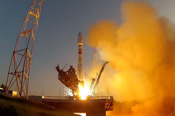 "Ракета ""Союз-2.1б"" стартира от ""Плесецк"""