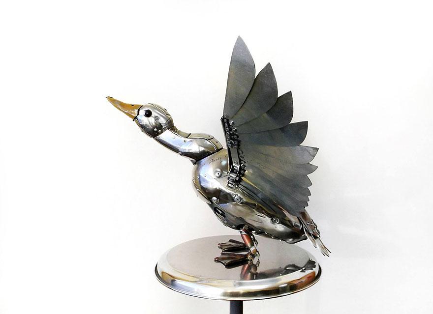 Руски художник създава стиймпънк скулптури1