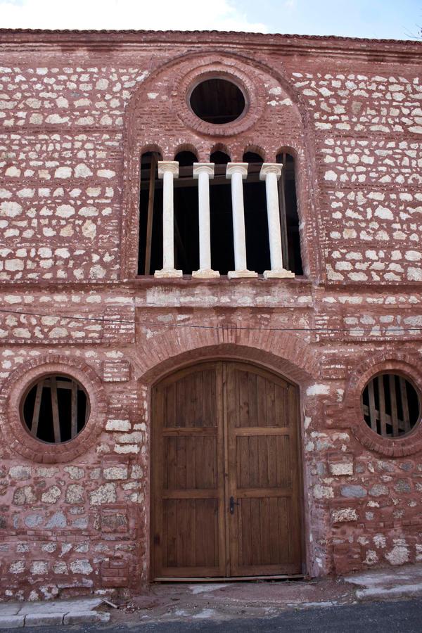 Турци реставрират наша църква 2
