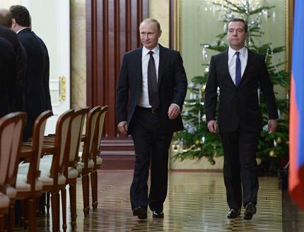 Путин: Правителството не може да си позволи дълги празници