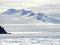 Откриха следа от паднал метеорит в Антарктида