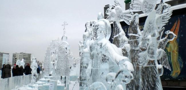 Ледени икони украсяват Екатеринбург