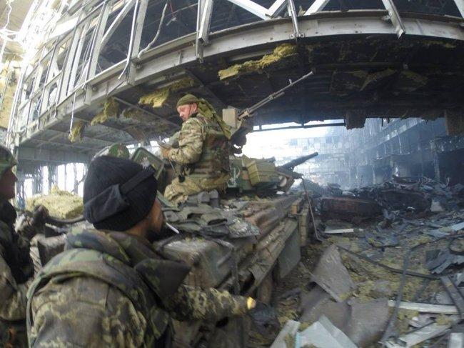 Летището в Донецк е под пълен контрол на опълченците
