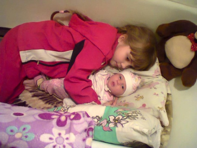 Как и къде нощуват децата на Донбас (ФОТО/ВИДЕО16+)