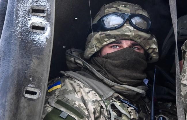 ДНР: Украинските военни продължават да се оттеглят от летището в Донецк