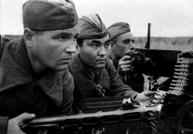 Москва обнародва документи за освобождаването на Освиенцим