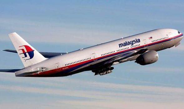 """Шеф на Proteus Airlines: САЩ са свалили изчезналия малайзийски """"Боинг-777″"""