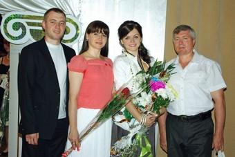 Жана Суслина със семейството си в България Снимки: Личен архив
