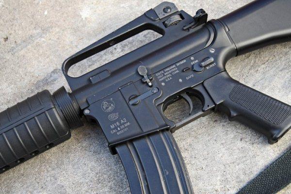 Откриха американско оръжие в изоставеното от украинските военни летище в Донецк