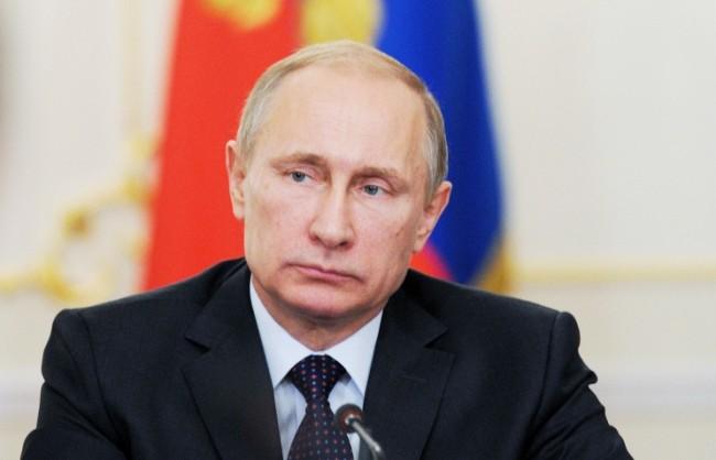 Путин обсъди въпросите по урегулирането на кризата в Украйна и терористичната активност на ИД