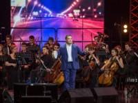 """Седемхиляден хор изпълни хитовете на """"Любе"""""""