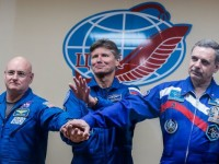 Новият екипаж пристигна на МКС