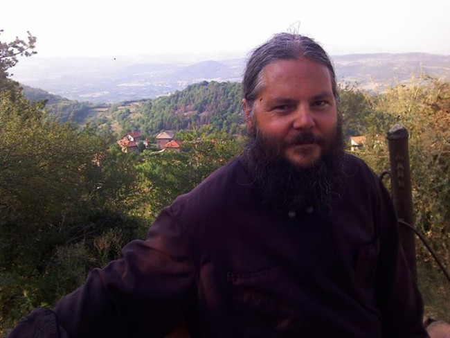 Отец Стоян Костов: Нашата енория е земята на покръстените беси