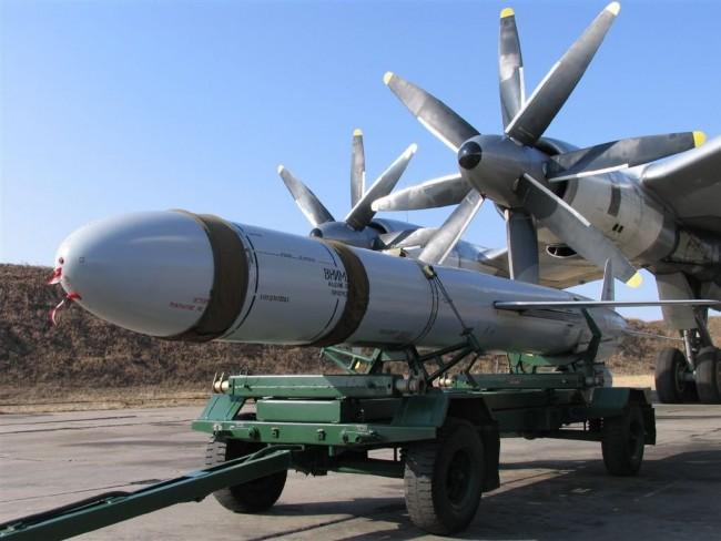 Москва: НАТО да не плаши с руско ядрено оръжие