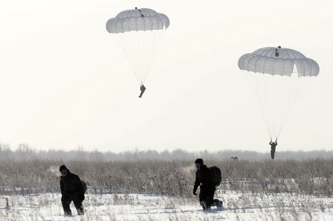 В Русия днес приключват мащабните военни учения