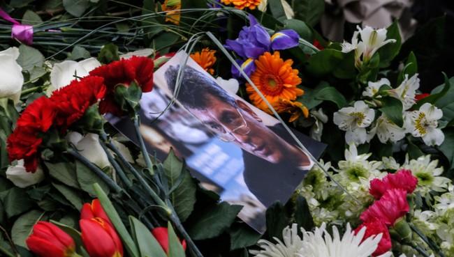 В Москва погребаха Борис Немцов