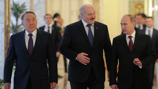 Путин с визита в Астана за срещата с лидерите на Беларус и Казахстан